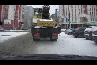 Думал пешеходы  медленно идут.. (есть мат!)
