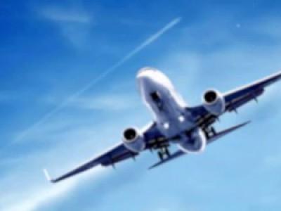 Почему остается след от самолета ?