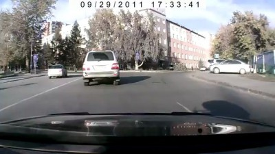 Проехал на все деньги / Drove on the wrong side near to police