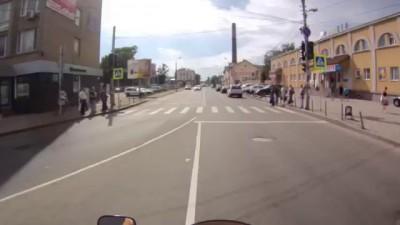 Мотоциклист и автомобилист