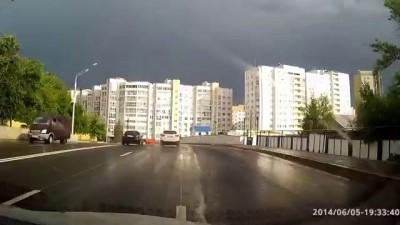 ДТП в Уфе на С.Перовской 05.06.2014