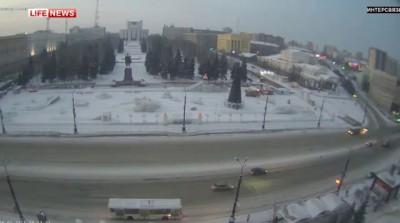 Угон мусоровоза студентами в Челябинске попал на видео