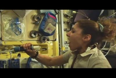 Как пить в космосе