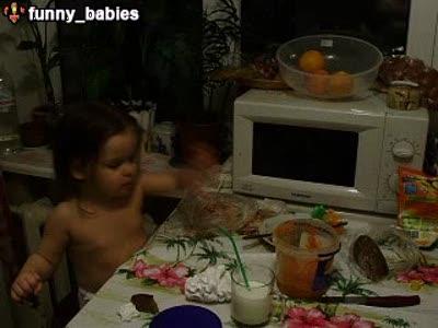 Зажала папе морковку