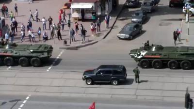 Луганск празднует День Победы! Техника с парада.