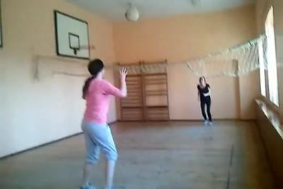Дикие девчонки с мячом