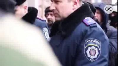 Милиция на майдане 19 марта 2014