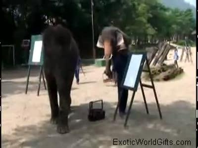 Слон - художник