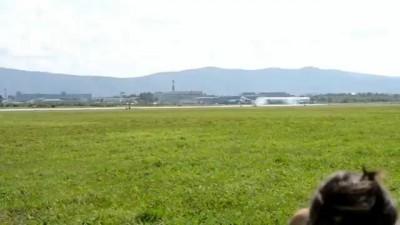 Су-35С зацепился крылом за ВПП во время посадки. К