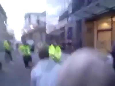 Собакен цапнул протестующего