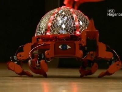 Танцы шестиногих роботов