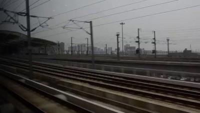 Китай. Обгон одного скоростного поезда другим