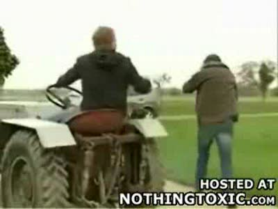 резкий трактор