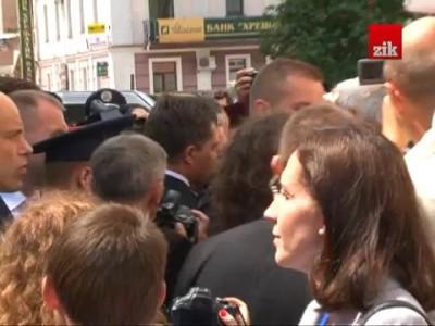У президента Польщі Коморовського потрапили яйцем на Волині