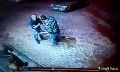 Двое бандитов попытались напасть на дедушку у магазина Старик оказался боксером