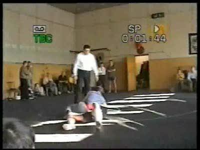 """Соревнование, мой ученик работает с представителем """"Боевого самбо""""."""