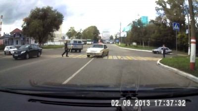Таксист нарушает