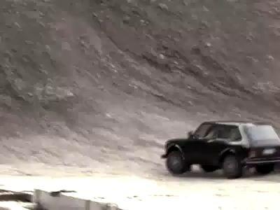 Lada Niva Jump Commercial