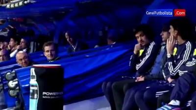 Broma de Mourinho al jefe de seguridad del Real Madrid | Madrid 4-3 Valladolid 2013