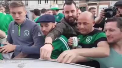Болельщики Ирландии проломили крышу авто