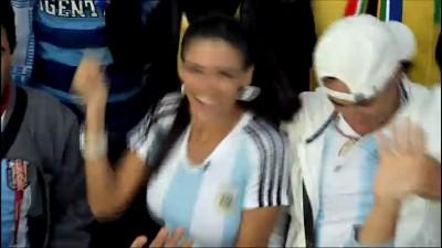 Горячая аргентинская болельщица