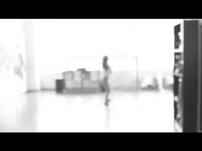 Как она танцует! Смотрим все....wmv