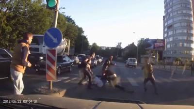 «Ты залез на мою территорию»: Массовая драка на ул. Гагарина в Калининграде