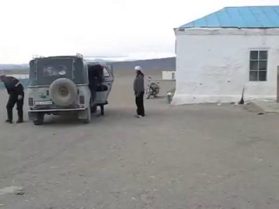 Как возят детей в Монголии