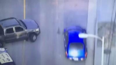 Попыталась угнать машину полицейских
