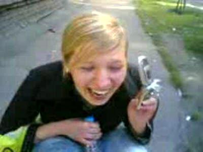 Что курила девушка? Смех телки.