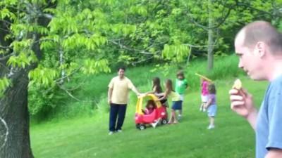 Как папы спасают детей. Отцовский инстинкт.