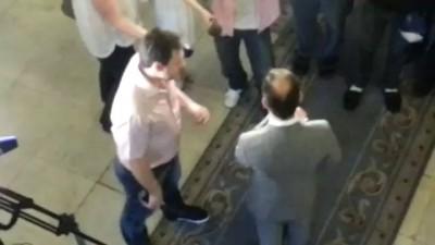 О.Ляшко выгоняет с Верховной Рады Российских журналистов Киев