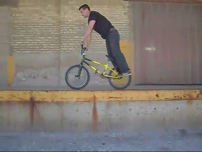 Tim Knoll - трюки на BMX