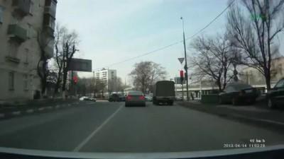 Армяне беспределят на дороге 14.04.2013