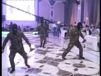 """Спецназ"" танцует на свадьбе"