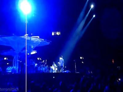 U2 - Knockin' On Heavens Door (Moscow 2010-08-25)