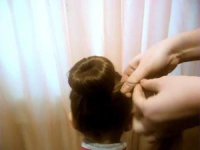 Бант на пучке из волос