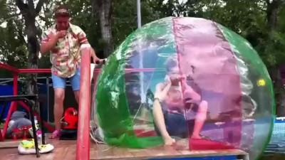 Плаванье в шарах