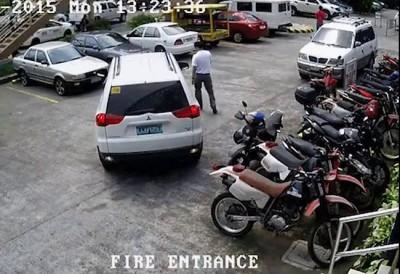 Офигеть припарковался...