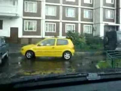 Парковка блондинки