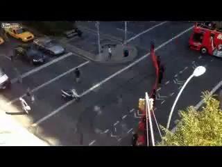 Полиция Нью Йорка ловит скейтеров
