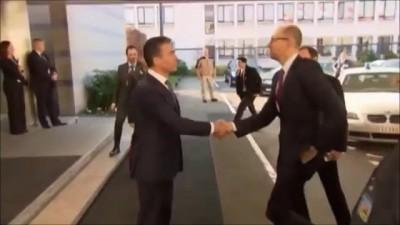 Яценюк прибежал жаловаться в НАТО