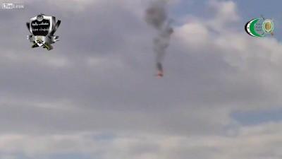 2. Сирия.Повстанцы сбивают вертолет режима
