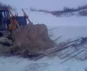Бульдозер Т-10МБ утонул вместе с машинистом