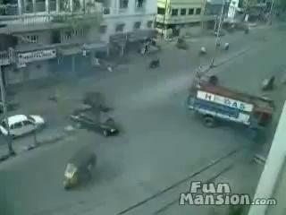 Проезд перекрестков в Индии