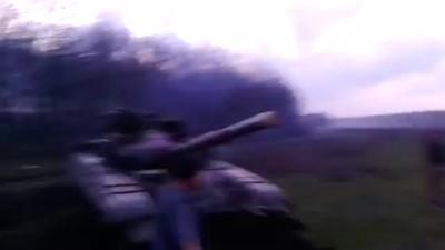 Смотреть Всем! Новое. Самооборона захватила танк. Родинское. 14.04.2014.