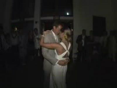 Жених с Невестой отжигают на свадьбе. Супер :)