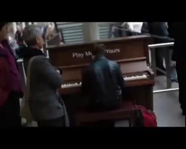 Пианино на вокзале