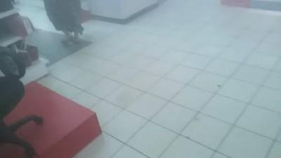 Зашёл сегодня в м-видео за флешкой.