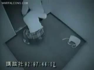 Кинула на прогиб в лифте